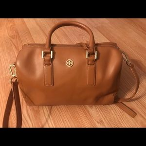 Tory Burch  Satchel Robinson Middy